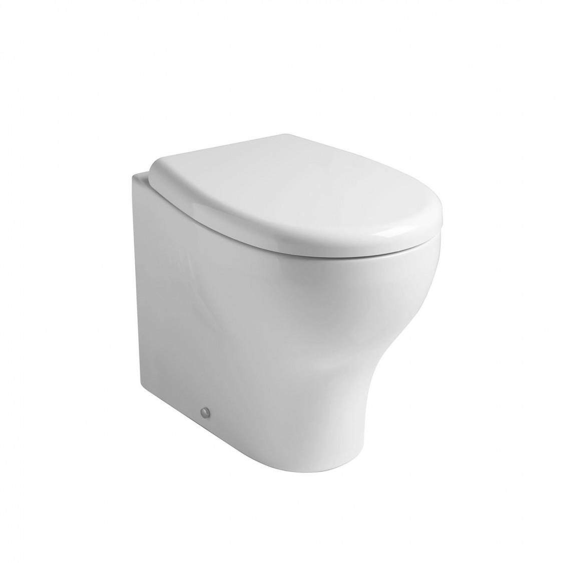 Coppia sanitari a terra filo muro in ceramica bianco lucido con sedile avvolgente